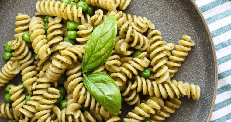 Pasta with mint-basil pesto and peas