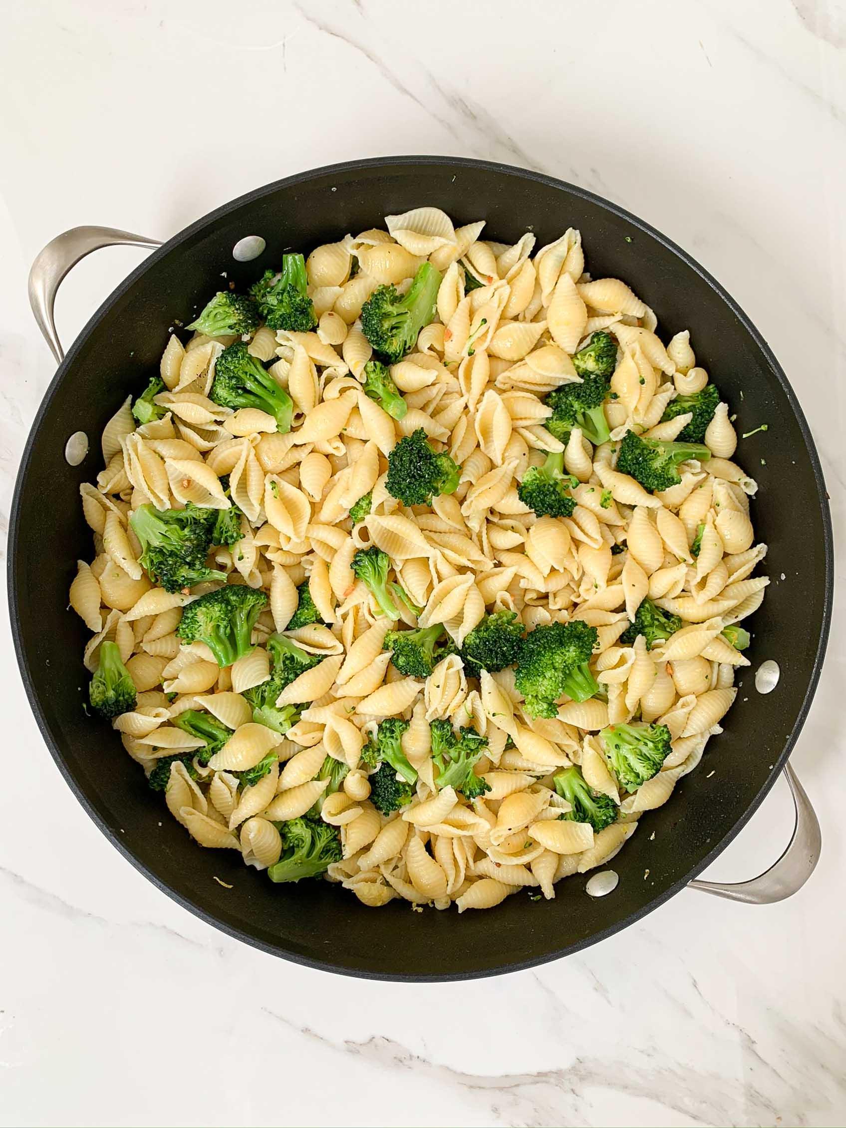 big pan with lemon broccoli pasta